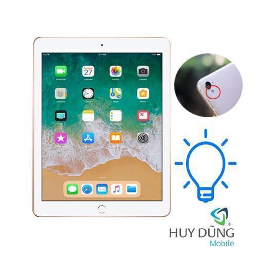 Thay dây đèn flash iPad Pro 9.7