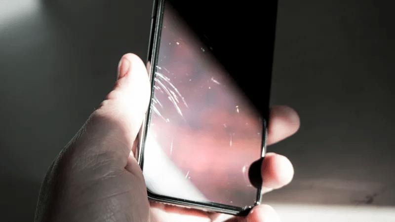 Hướng dẫn xóa các vết xước trên màn hình iPhone X cực kỳ đơn giản tại nhà