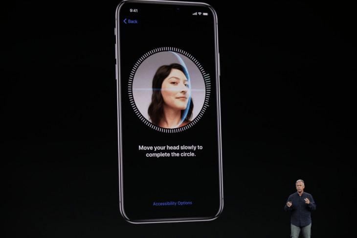 Sử dụng Face ID để mở khóa iPhone, mật khẩu ID Apple và giao dịch Apple Pay