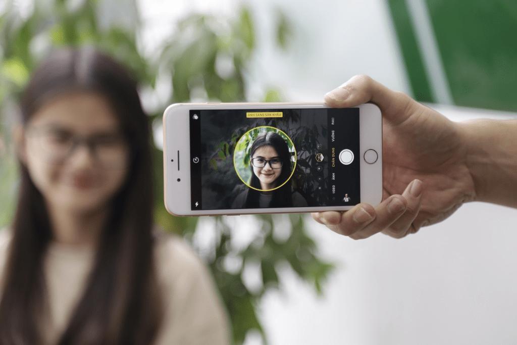 iPhone 8 Plus có chế độ Chân dung với Portrait Lighting