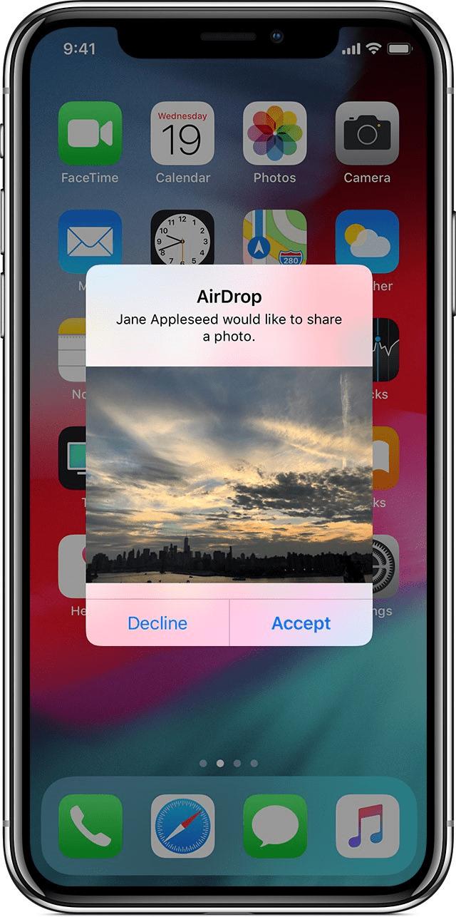 Ở thiết bị nhận ảnh/video, nhấn Accept (Chấp nhận)