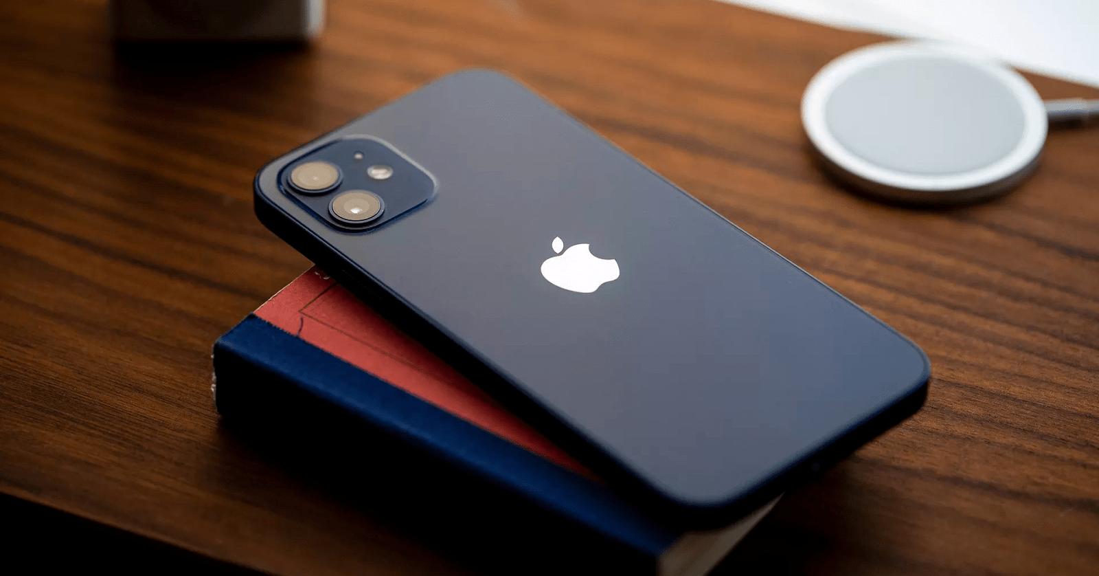 Thiết kế khung iPhone 12 vuông vắn với chất liệu thép không gỉ đặc biệt