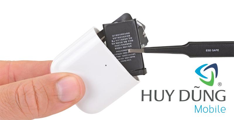 thay pin hộp đựng tai nghe Airpods