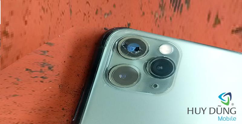 Mặt kính camera sau iPhone bị vỡ